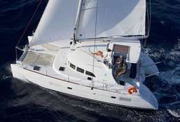 Catamaran Lagoon 380 à Ibiza