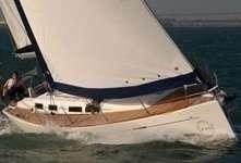 Voilier Dufour 425 en navigation en Bretagne