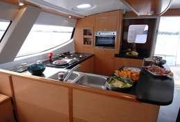 Coin cuisine du catamaran Salina 48