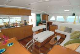 Carré du catamaran Lagoon 440