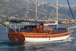 Goélette en navigation au départ de Split