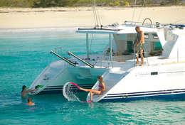 Baignade du catamaran en Sardaigne