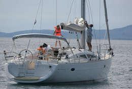 Navigation familiale sur Elan 434