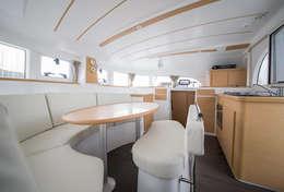 Intérieur pour déjeuner du catamaran