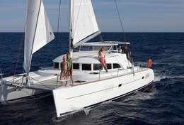 Navigation en famille à bord du Lagoon 380