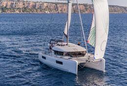 Catamaran Lagoon 40 en navigation