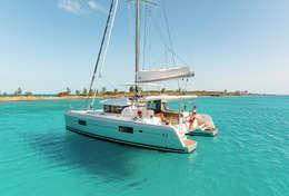 Catamaran Lagoon 42 sur eaux cristallines