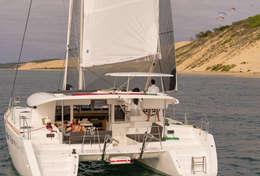 Navigation les Glénan en Bretagne sud Lagoon 450S