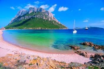 Destination Sardaigne location bateau